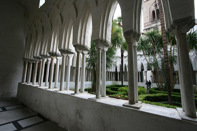 cloister of paradise (13c)