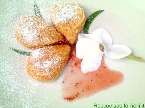 Latte fritto con crema di fragole