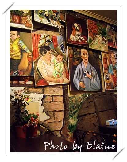 牆上的油畫