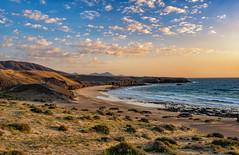 Caleta del Congrio (marypink) Tags: lanzarote canaryislands canarie beach sunrise alba sky see cloud winter nikond800 nikkor1635mmf40