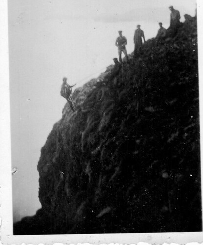 Hornbjarg, climbers on the cliffs