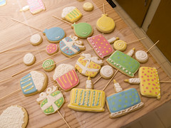 Birthday Cookies (nikkicookiebaker) Tags: birthday cake cookie cupcake decorated ballooncookies