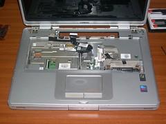 Compaq Presario v4000 with keyboard removed