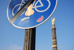 brln (s h u n z a n) Tags: street streetart berlin art germany nose strada arte stickers r germania 2007 berlino