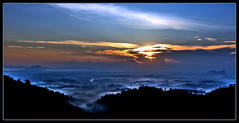 Sunrise from the top of the hill... (Chee Seong) Tags: morning fog clouds sunrise canon bravo hill pahang 2470mm sungailembing 400d abigfave diamondclassphotographer theperfectphotographer