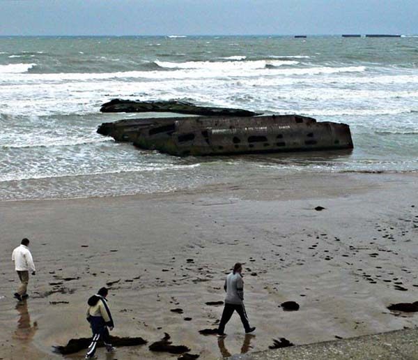 arrom-beach-people-s