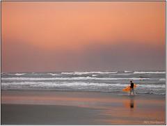 Going back home (Alex Hackmann) Tags: sea praia beach canon mar photo surf foto powershot g6 entardecer canonpowershotg6 alexhackmann