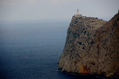Far de Cap Formentor / Lighthouse of Cape Formentor (SBA73) Tags: pasoscatalans illesbalears balears baleares mallorca sesilles capformentor formentor cape cabo estimbat cingle cliff acantilado pedra piedra stone mar sea see far faro phare lighthouse aplusphoto lighthousetrek