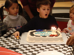 DSC02140 (CKeslar) Tags: birthday party quin racecarrs