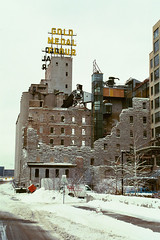 Gold Medal Mill, Minneapolis, Minnesota, Winter 2003, C41 negative print film, photo © 2003-2008 by QuoinMonkey. All rights reserved.