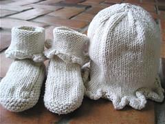Baby Ruffle Hat & Bootie set