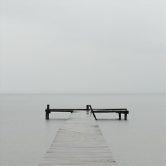 (Mr.Bones) Tags: monochrome rain square pier minimalism chiemsee 123f100