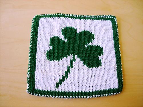 DK hot pad green clover side