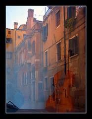 riflesso veneziano (Ev@ ;-)) Tags: venice history reflections arte musica reflexions oldbuilding riflesso mywinners abigfave megashot citrit lartedellafoto nontelitiroicapelliperchseistatabrava