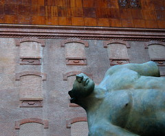 Torso di Ikaro (* galaad *) Tags: madrid sculpture architecture arquitectura escultura exposition herzogdemeuron caixaforum igormitoraj abigfave