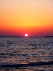 Il bacio (principonemio) Tags: sunset sea sun mer sol soleil mar tramonto mare sicily sole ocaso sicilia mazara sicile