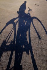 On Two Wheels (0065) (TheHouseKeeper) Tags: road street shadow me bike bicycle self fun cycling cycle biking commuter biker mateo pinoy indio silhouetter thehousekeeper teampilipinas flickristasindios georgemateo ikawaypinoy