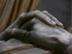 Mani - hands (cinzia_t) Tags: certosa bologna certosadibologna cimitero cemetery graveyard statue statua hand mani mano particolare hands detail cinziat panasonic lumix fz50 cinziatavalazzi bpleasedonotcopyorbloganyphotowithoutmypermissionb
