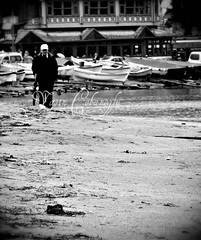 (broadcasterTR) Tags: people bw beach monochrome coast blackwhite sony human vignetting sb insan sahil amasra kumsal siyahbeyaz cybershotdsch1 bnvitadistrada broadcastertr fotografca