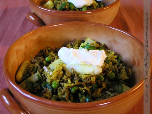 Currypfanne mit weißem Spargel