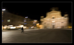 Aspettando il Giro d'Italia - Waithing the Giro (pepe50) Tags: 2008 abigfave apple bike blueribbonwinner canon carp001 carpi cathedral cathedraldome diamondclassphotographer duomo excellentphotographerawards flickr giro2008 giroditalia giroditalia2008 goldstaraward imac italia italy life~asiseeit mywinners night nightly notte panning party pepe50 piazza piazzamartiri publicsquare square theperfectphotographer theunforgettablepictures travel