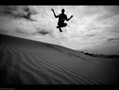Zen. (Le***Refs *PHOTOGRAPHIE*) Tags: bw mer white black beach lines silhouette yoga jump sand nikon sable nb zen plage gard lignes méditerranée southfrance d90 legrauduroi portcamargue lespiguette 1024mm lerefs