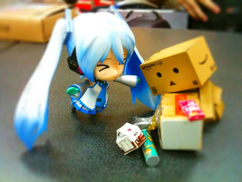 Danbo Tripped, Miku To The Rescue! by animaster