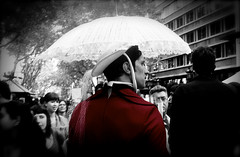 red jacket experiment (Charlotte2lost) Tags: red man rot umbrella rouge blackwhite costume rojo vermelho jacket disfraz rd jas rood rosso fancydress paraguas veste hombre paraplu ramblas jacke ombrello   parapluie  jacka  analogic chaqueta rd guardachuva regenschirm paraply punainen kostm   jakke jaqueta krmz   giacca disfarce nikonf801   takki sateenvarjo emsiye           ceket        naamiaispuku   maskeraddrkter