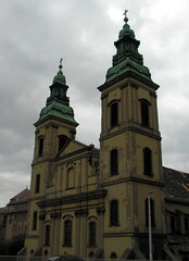 Church towers /Templomtorony (Verspatikus) Tags: building tower church hungary catholic budapest torony templom magyarorszg ferenciektere plet katolikus squareoffranciscan