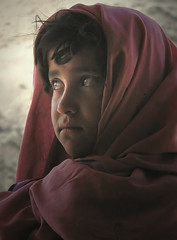Petite Afghane (Laurent.Rappa) Tags: voyage unicef travel portrait people afghanistan girl face children eyes child retrato afghan laurentr enfant ritratti ritratto soe regard peuple littlestories abigfave megashot excellentphotographerawards theunforgettablepictures theperfectphotographer goldstaraward picswithsoul laurentrappa