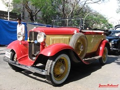 Vintage Car Rally - Mumbai - India (jeevan_balwant) Tags: red india classic beauty fashion vintage gold treasure convertible pride hobby collection chrome huge antiques mumbai legend oldcars classiccars automobiles carshow masterpiece vintagecars motorsport antiquecars motorcar timelessbeauty carcollection luxurycars beaties vintagerally carrally carexhibition agelessbeauty carsbikes vintagecarrally importedcars carbike jeevanbalwant magnificentcars oldbeautiesclassiccars jeevbalwant