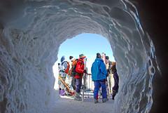 Skiers On Aiguille du Midi (lightmeister) Tags: chamonix aiguilledumidi