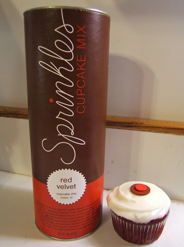 How To Eat A Cupcake: Sprinkles® Red Velvet Cupcake Mix