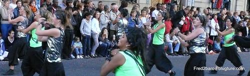 Danseuse Face à face dans la  ville monde