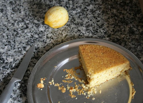 almond cake with lemon