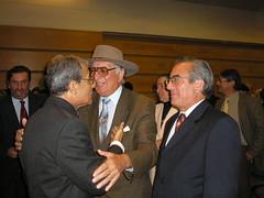 Con Valdemir Lanas Hidalgo, colega estudioso de la cultura tradicional chilena y Salvador Lanas Hidalgo, Director del Departamento de Bachillerato de la Universidad Andrés Bello, Campus Via del Mar. Martes 18 de abril de 2006.
