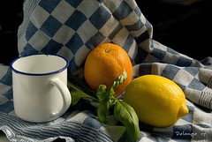 Still life Cup, Lemon and Orange (henx fotojam) Tags: life blue orange yellow still lemon towel delange pentaxk10d