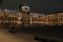 Le Louvre by night (LastAvalon) Tags: paris architecture louvre tvw