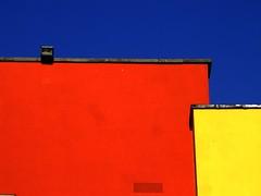 Dublin's secret blast of colour (Steve-h) Tags: blue ireland sky dublin orange castle history yellow europa europe eu finepix fujifilm grille ventilator dublincastle 10000views steveh s9600 brightlycolouredwalls 1013f mygearandme mygearandmepremium mygearandmebronze mygearandmesilver mgm1mgm2mgm3mgm4 aboveandbeyondlevel1 42384v