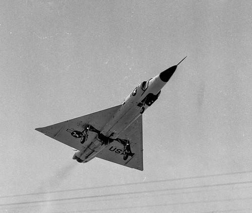 Airplane picture - Convair-F-102-Delta-Dagger