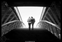 a Weekend in Paris (Arnold Pouteau's) Tags: bw paris france silhouette backlight noiretblanc passerelle solferino diamondclassphotographer