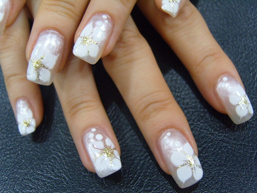 Mila kunis white flowers nail art design white flowers nail art design mightylinksfo