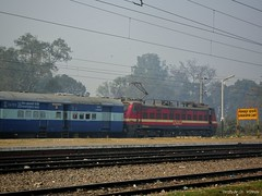 Purvanchal Express passing Gorakhpur Cantt with GZB P4 25003