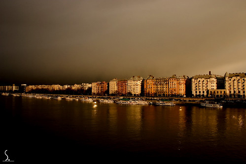 Suny Night from Margit bridge