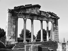 Arkitektura Shqiptare në shekuj 2121249506_3503171053_m