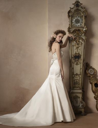 30630efea فساتين اعراس فرنسية 2012 ، اجمل فساتين العروس الفرنسية 2012 ، اجمل الزفاف  2012 ، اجمل فساتين للعرايس 2012