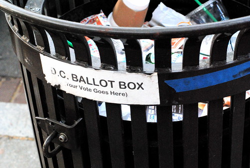 D.C. Ballot Box on U. St. af Cameron Nordholm