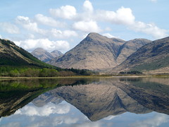 etive sound wave (werewegian) Tags: mountain reflection water scotland shapes tpc soundwave lochetive may08 werewegian tpcu13l1 tpcu13