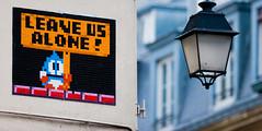Space Invaders au coeur de Paris (un oeil qui trane) Tags: street blue red urban streetart game paris france art yellow jaune rouge mosaic space arcade spaceinvader spaceinvaders bleu tiles invader 75 mosaique graffitis mosaque arrondissements bubblebobble leaveusalone 03