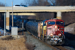CP Heney (shawn_christie1970) Tags: plymouth minnesota unitedstates us cold heatdistortion cpheney i494 winter oil crude signal cp8777 ge es44ac csx442 c449w